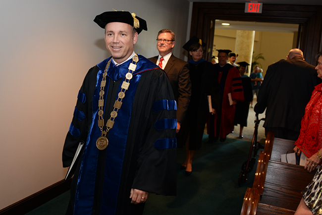 Dr. Dub Oliver files into Summer Commencement.