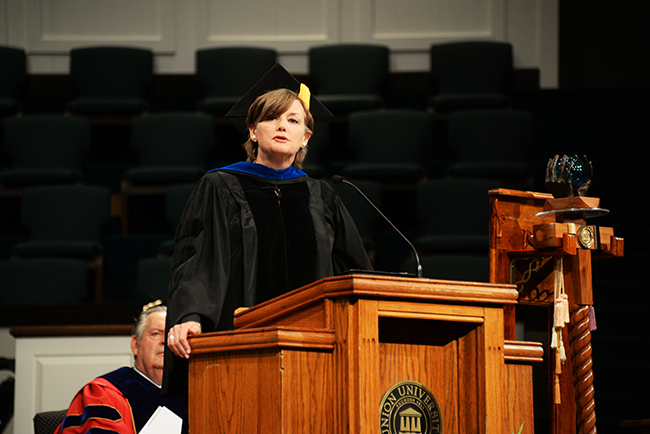 Carla Sanderson delivers the commencement address.