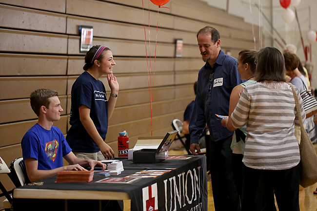 New students check in with various departments on campus