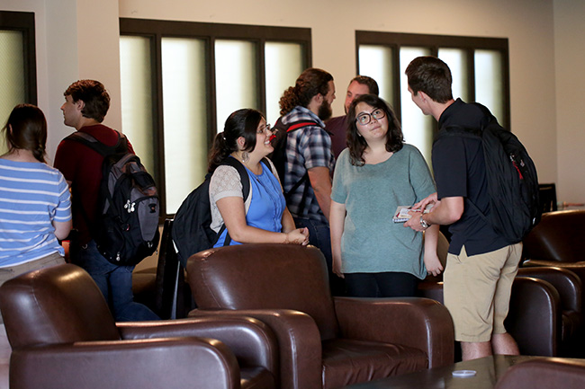 Students mingle in Barefoots Joe