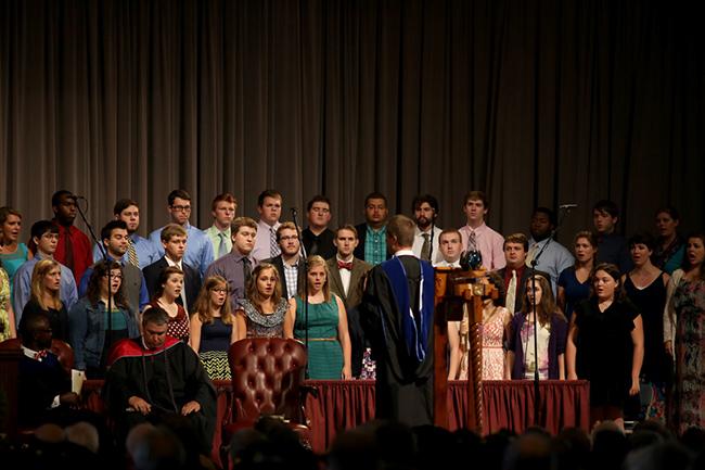 Chris Mathews leads the University Singers
