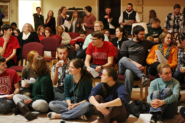 Students gathered in the commons to fellowship with the president and first lady