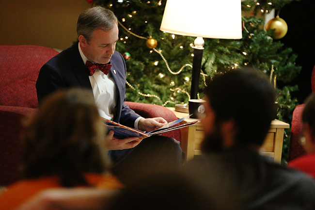 Dr. Dub reading A Night Before Christmas.